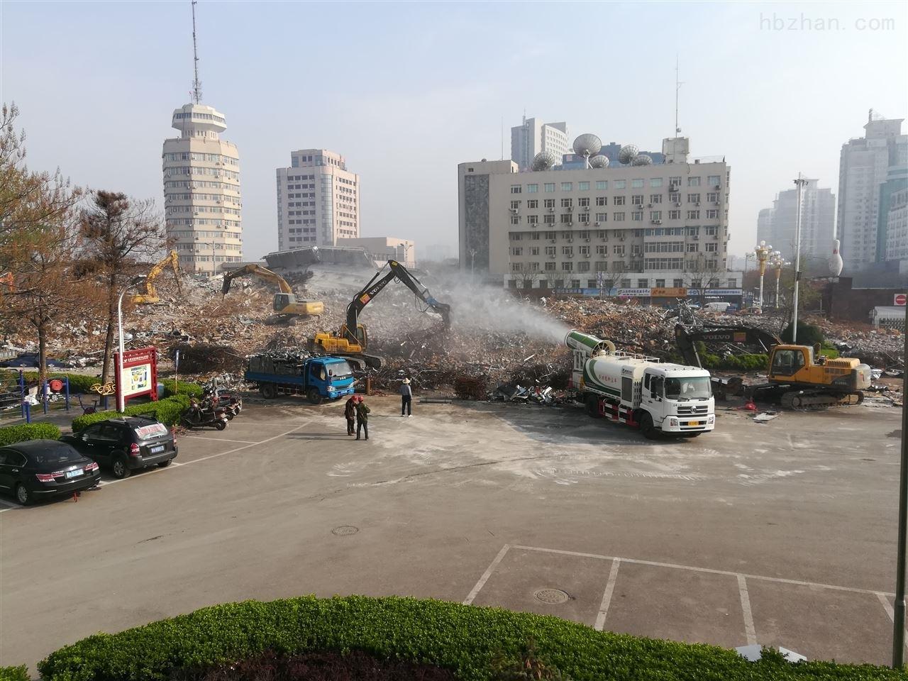 城市环卫扬尘治理喷雾实例