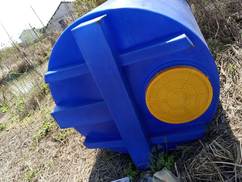 谦源1吨搅拌加药箱 大型塑料加药箱